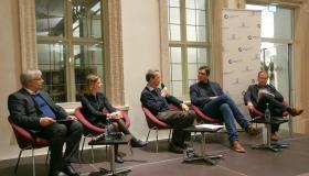 v.l.n.r.: Prof. Jürgen Karl, Judith Zürn, Prof. Martin Hundhausen, Dr. Lukas Köhler MdB, Moderator Stephan Sohr